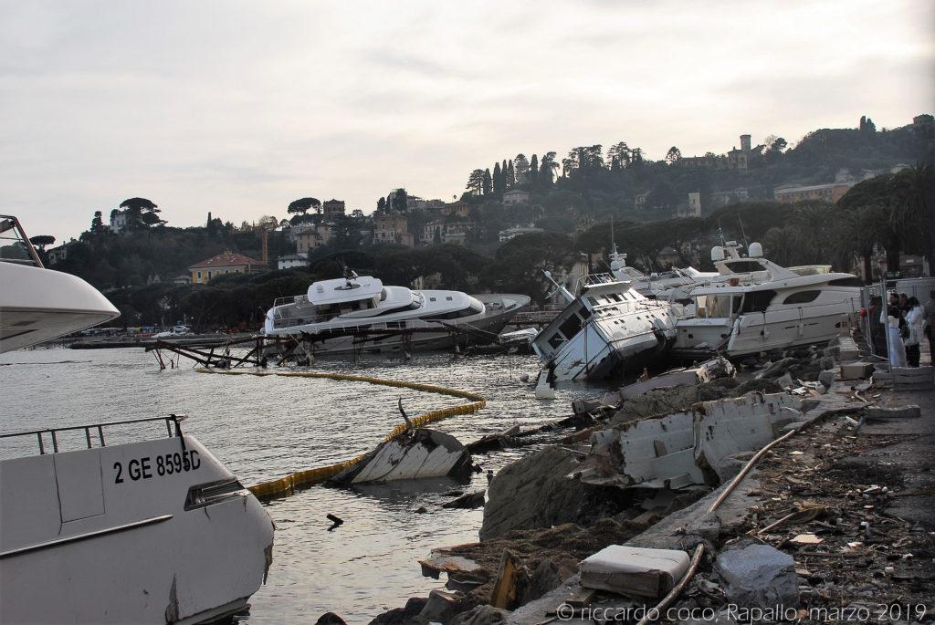 """Le immagini delle barche """"spiaggiate"""" sul lungomare di Rapallo sono veramente angoscianti"""